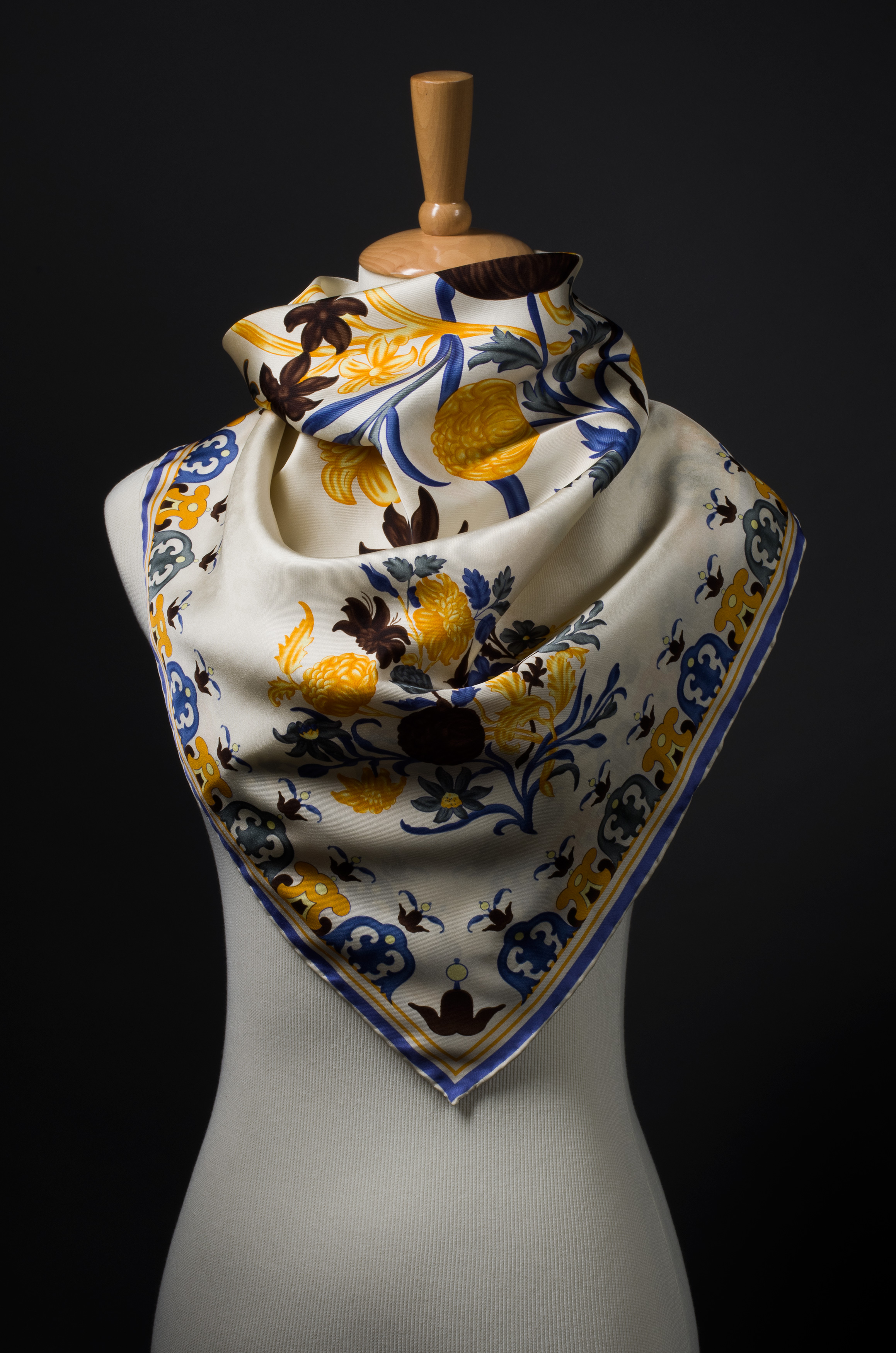 2010-Gala-Scarf-on-Form