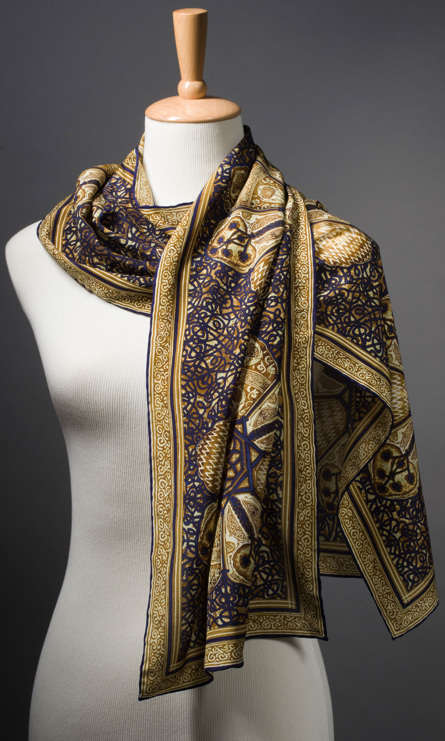 2013-Gala-Scarf-on-Form-1