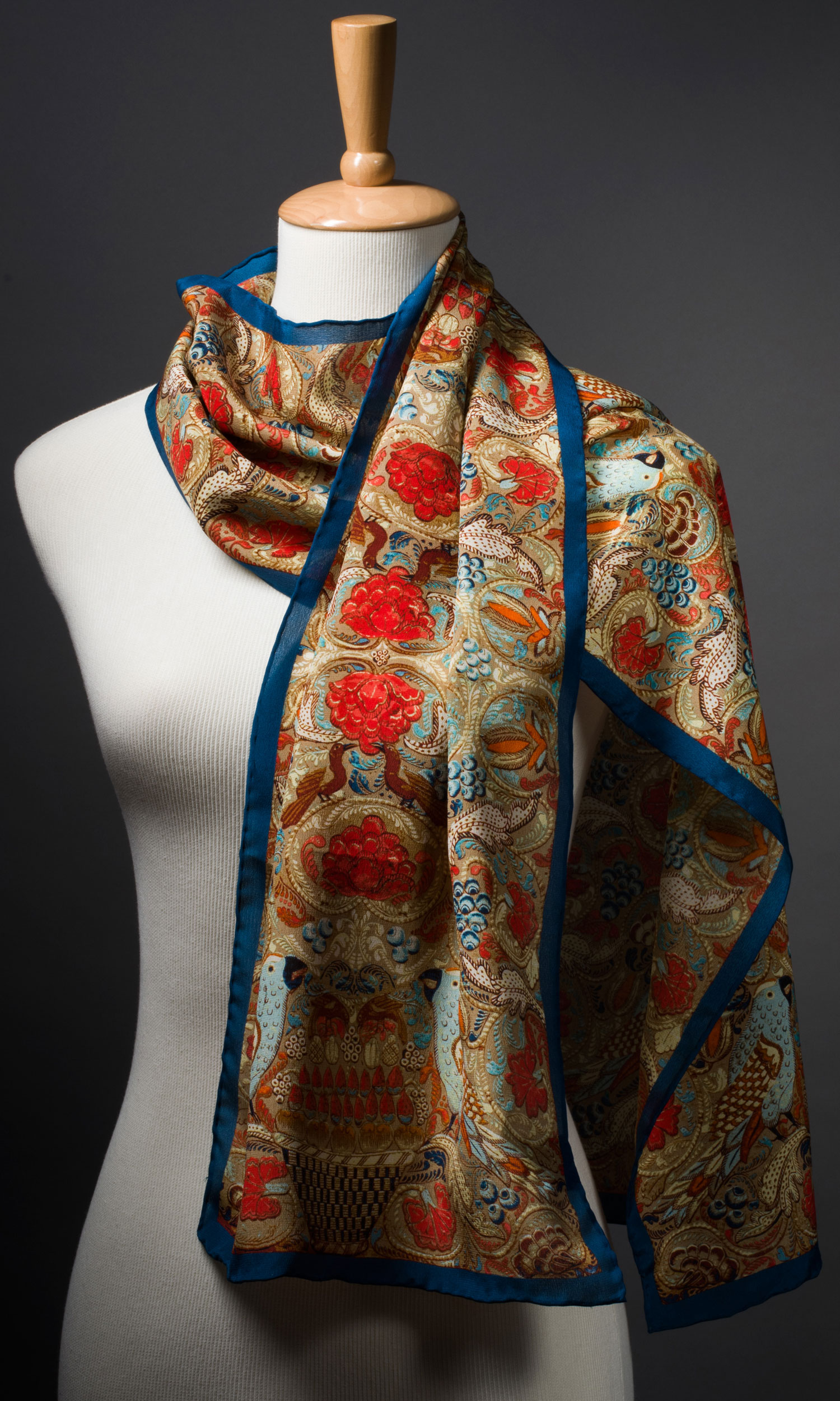 2013-Gala-Scarf-on-Form_2